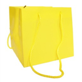 SQUARE CARRYBAG 6.25X6.25X6.25 IN YELLOW